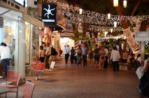 Playa_Del_Carmen_Main_Street
