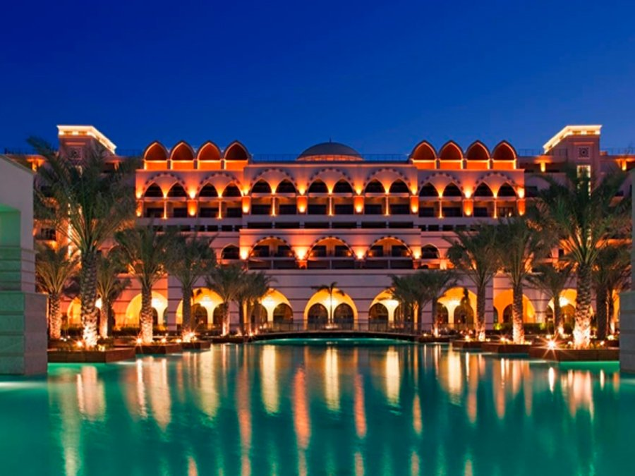 Arabian nights a week in dubai 39 s most luxurious hotels for Best luxury family hotel dubai