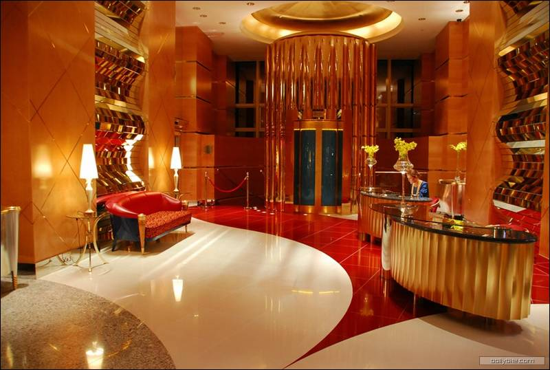 The best hotel in the world burj al arab dubai the lux for Most expensive hotel room in dubai