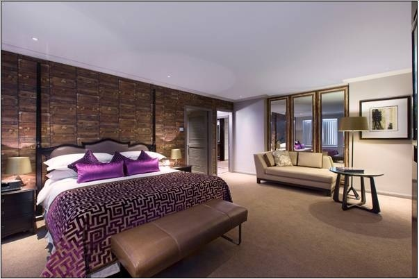 The-bedroom-Ambassador-Suite-Sheraton-on-the-Park-Sydney