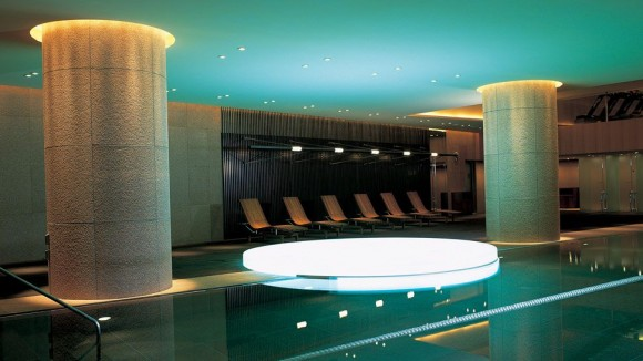 Grand-Hyatt-Tokyo-indoor-pool