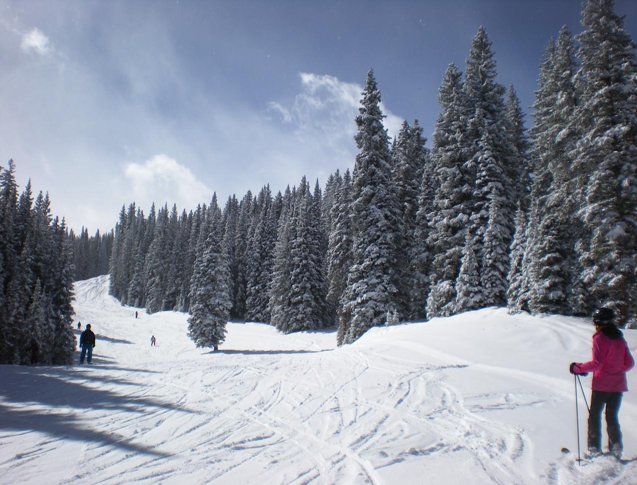 Aspen-Snowmass-blue-sky