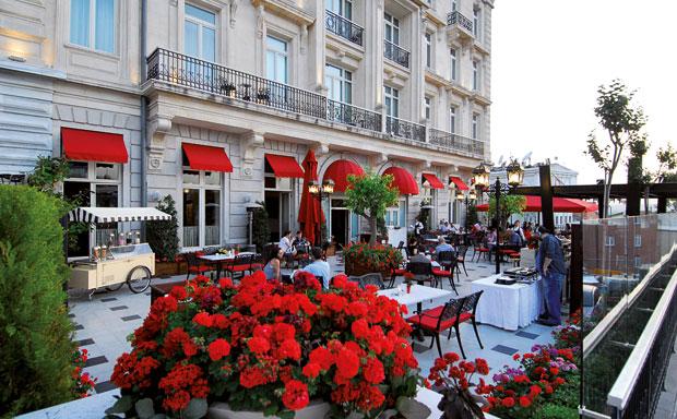 pera-palace-orient-terrace