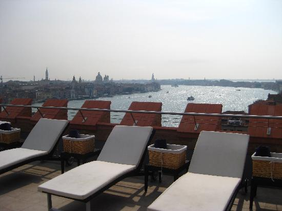 Hilton-Venice-view-from-pool