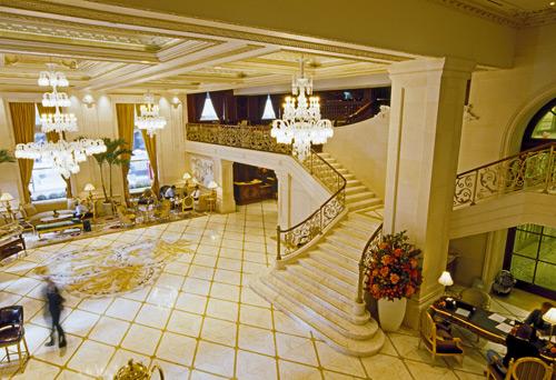 Inside-plaza_hotel_NY
