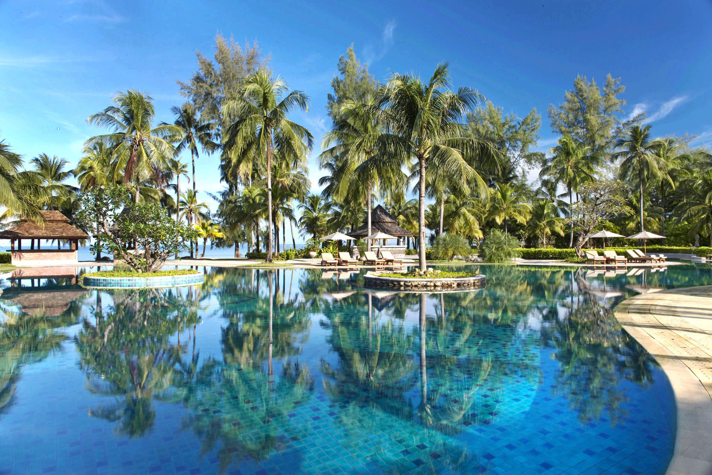 LM Khao Lak-Main Pool1