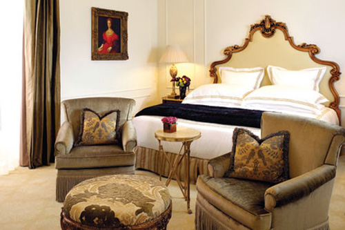 The-Plaza-hotel-Deluxe-Room