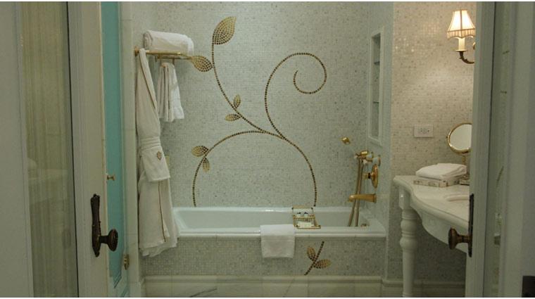 ThePlaza_Hotel_Bathroom