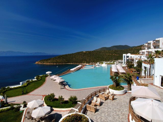 pool-Kempinski-Barbaros-Bay