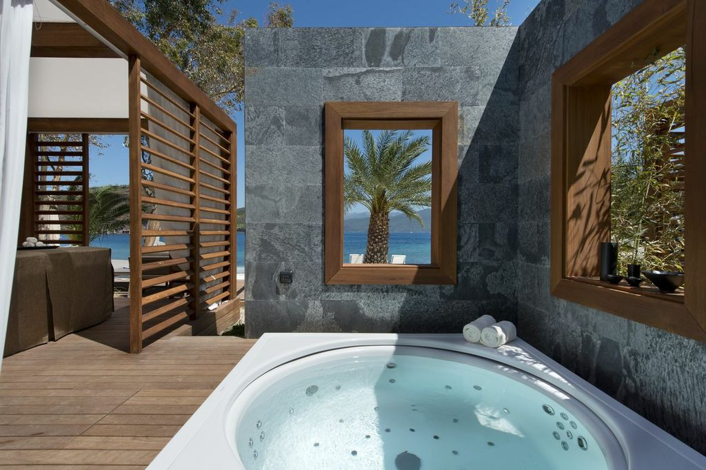Executive-beach-cabana-D-Hotel
