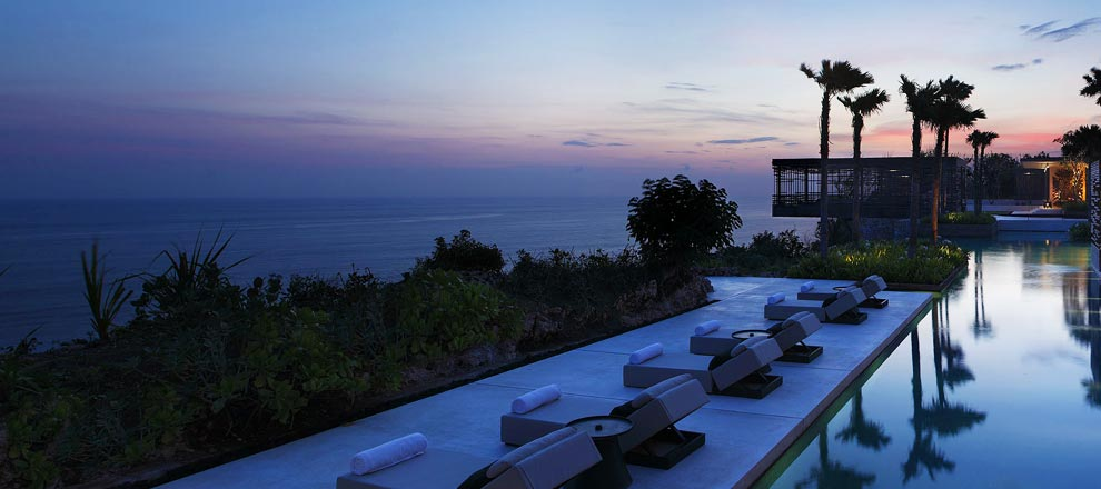 Sunset-at-alila-uluwatu