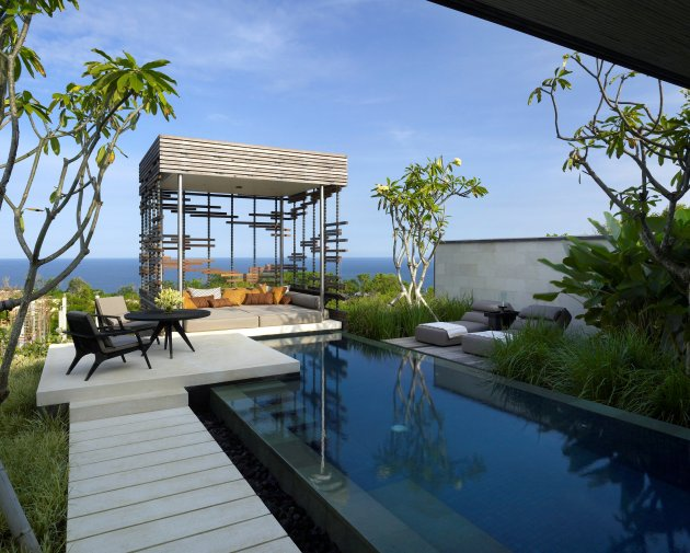Alila villas uluwatu the most romantic luxury resort in for Pool design for villa