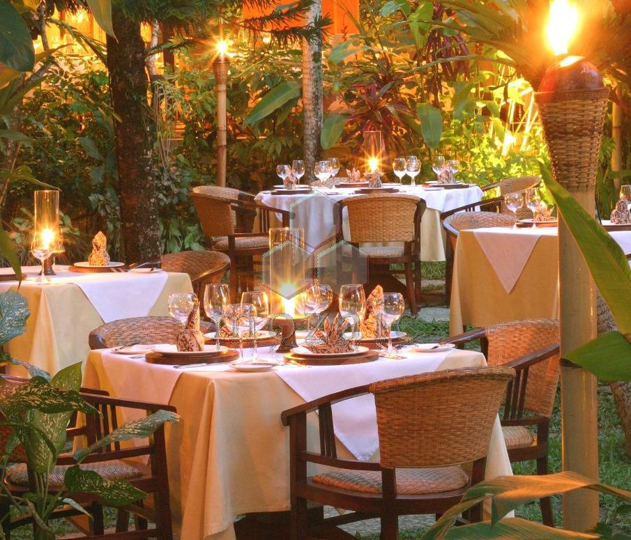 mozaic-restaurant-garden