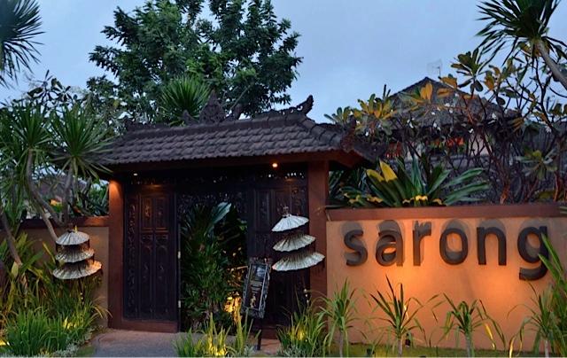 sarong-bali-entrance
