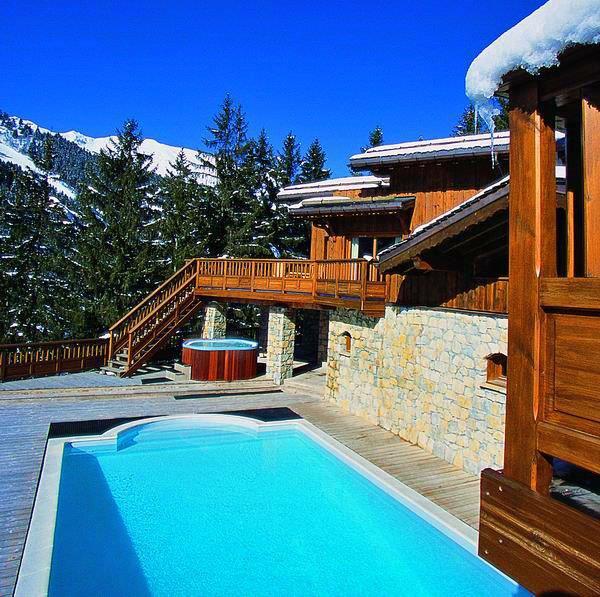 Aurore-pool-ski-chalet
