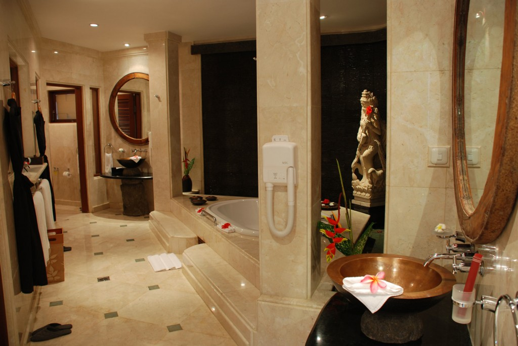 Viceroy bali luxury villa resort in ubud the lux traveller for 5 star hotel bathroom designs