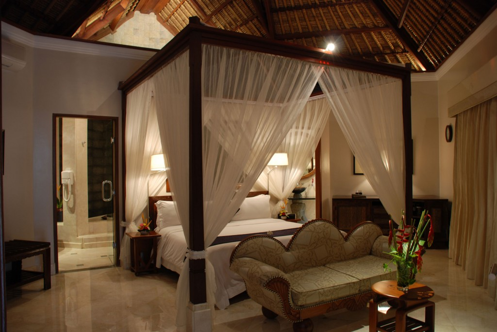 Viceroy bali luxury villa resort in ubud the lux traveller for Bedroom designs with four poster beds