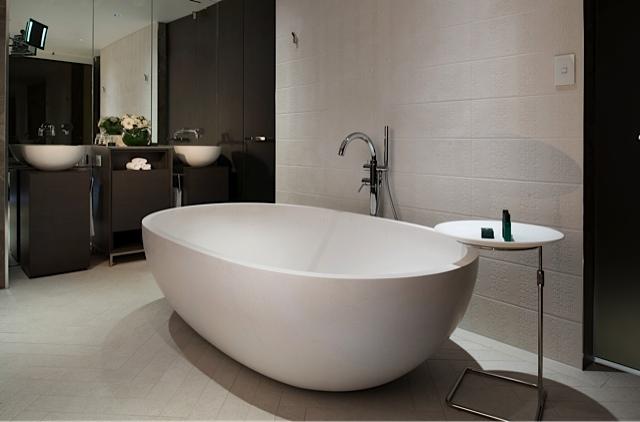 Prestige-Suite-bath-sofitel-brisbane