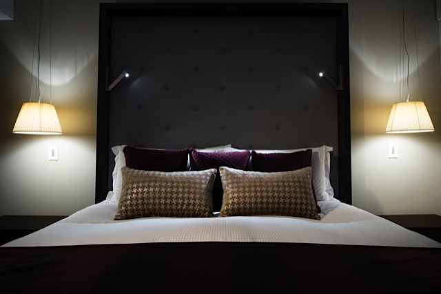 Prestige-Suite-bed-sofitel-brisbane
