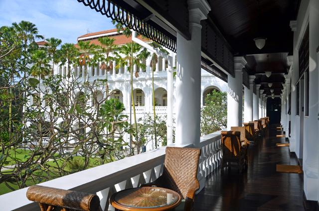Raffles Singapore Courtyard - Aleney de Winter