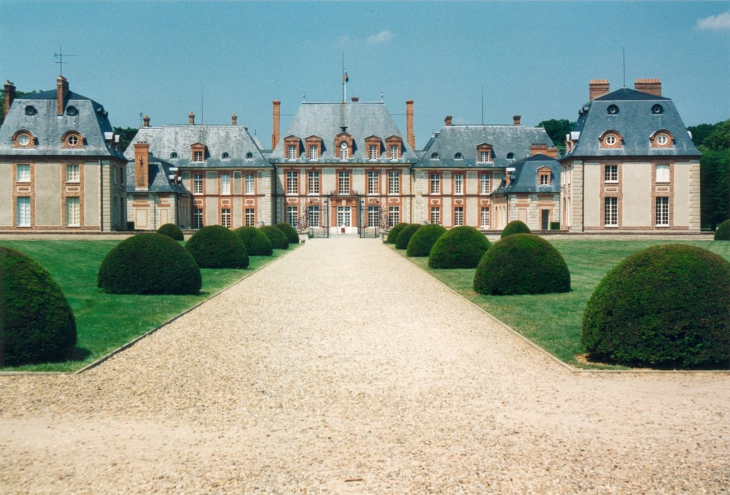 Breteuil_chateau_France