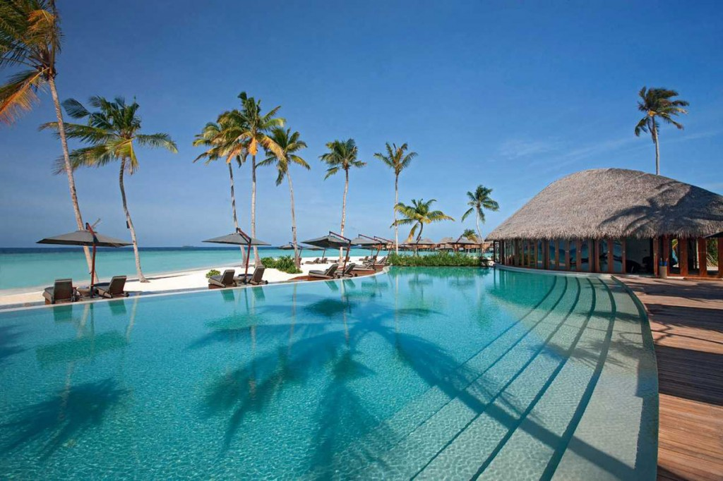 Feel The Luxury at Constance Halaveli Maldives Resort