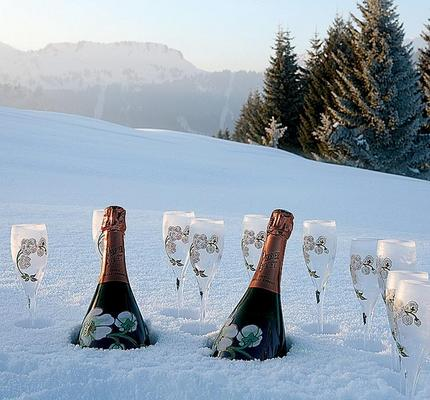chamagne-in-the-snow