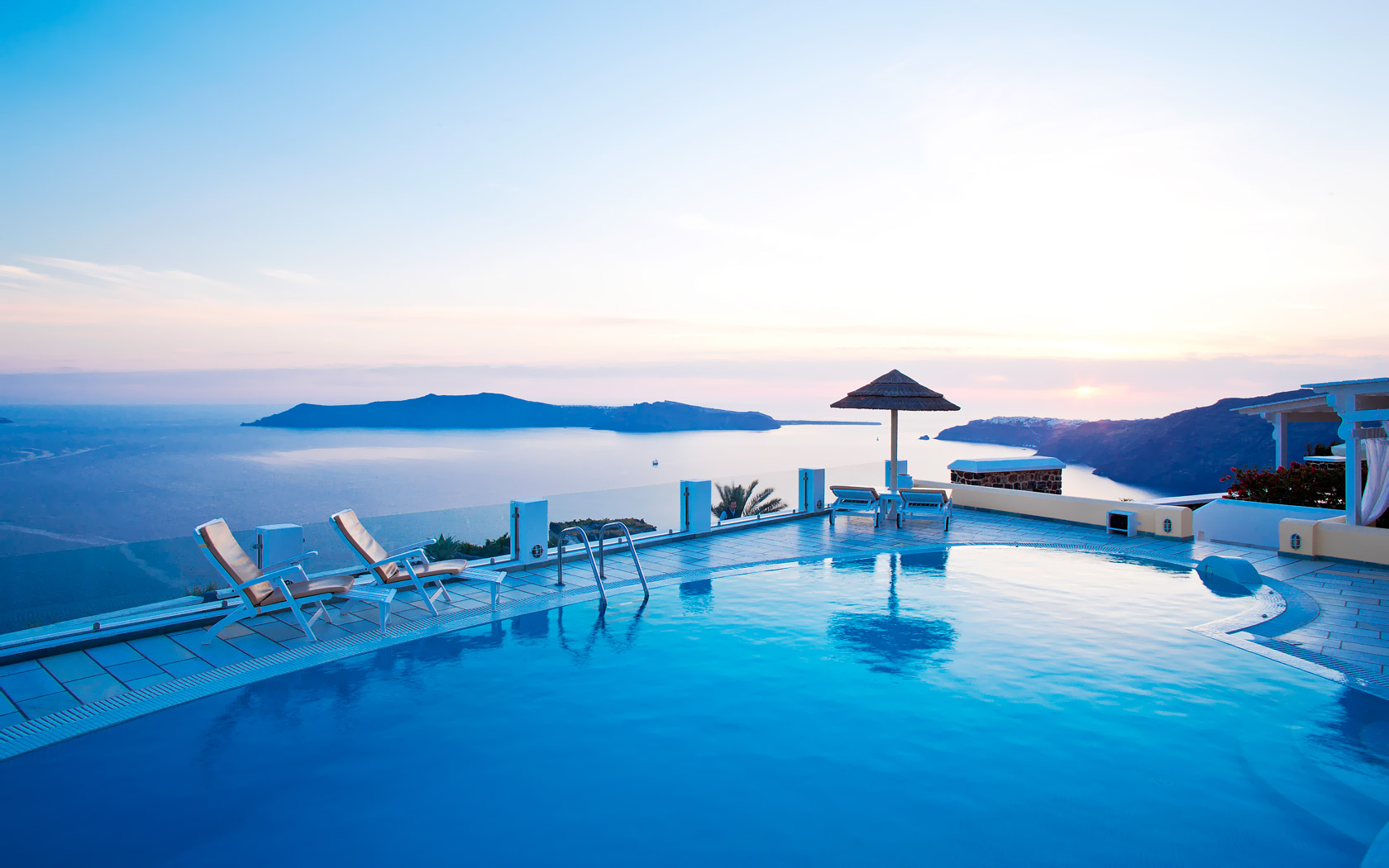 Santorini Luxury Hotel