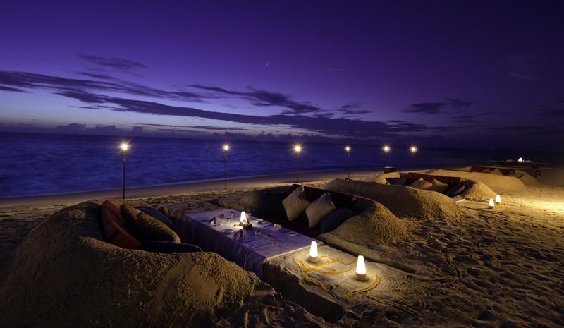 Jumeirah Dhevanafushi - Sunken Dug Beach Dining
