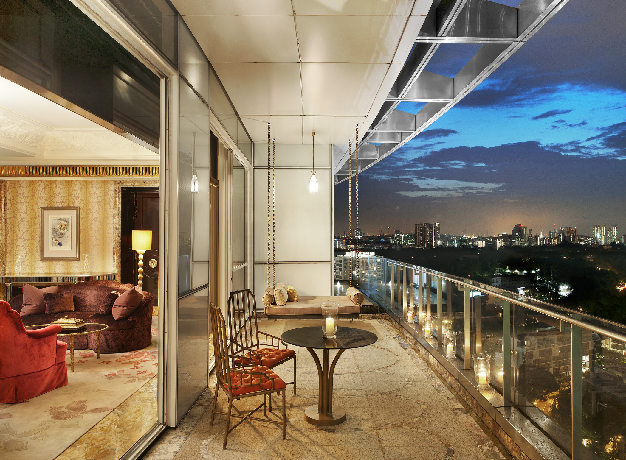 Luxurious weekend in the st regis singapore best hotel for Super luxury hotels in dubai