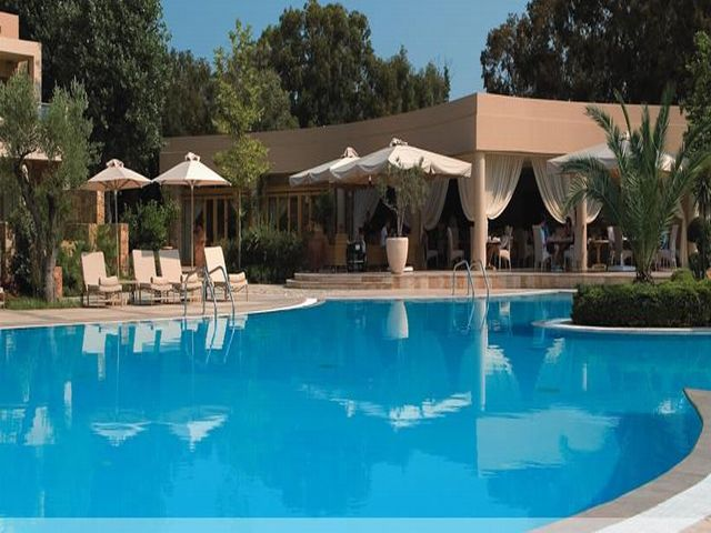 Sani Asterias Suites pool