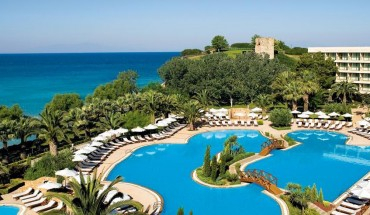 sani-resort-greece-pool