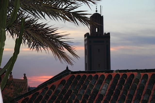 Farntachi-Sunset-rooftop
