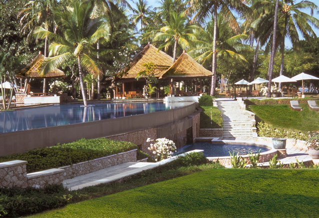 Oberoi-Lombok-Pool-Bar-Gardens