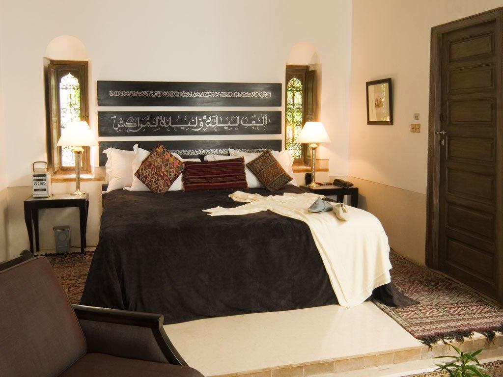 riad-farnatchi-marrakech-morocco-bedroom