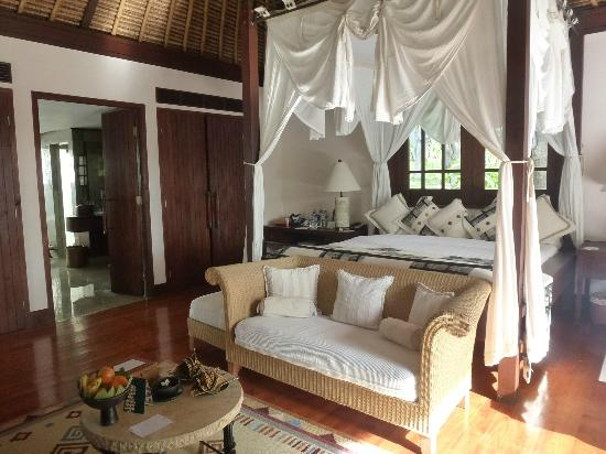 the-oberoi-lombok-inside-villa