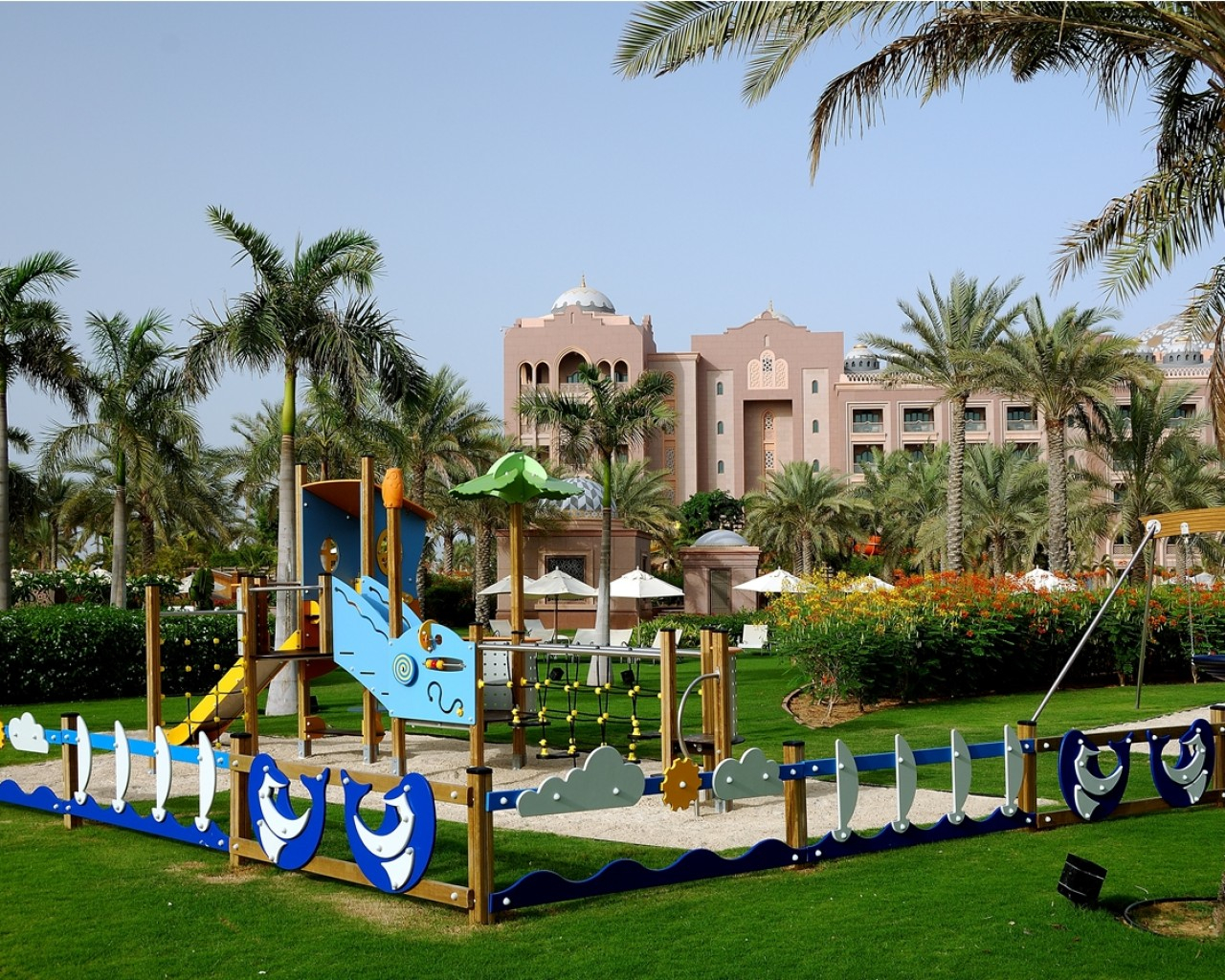 Emirates_Palace-kids-playground