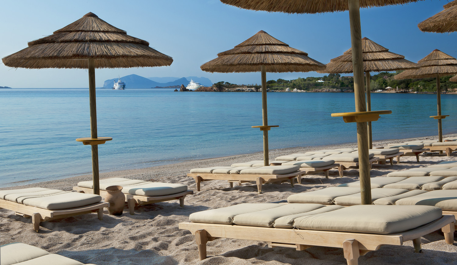 Italy private beaches images for Best boutique hotels sardinia