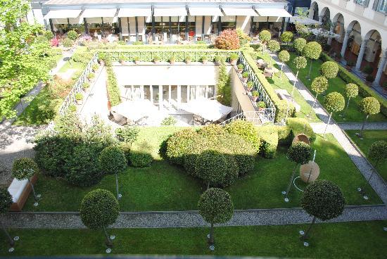 Four Seasons Milan courtyard