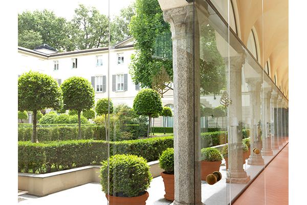The-courtyard-Four-Seasons-Hotel-Milano