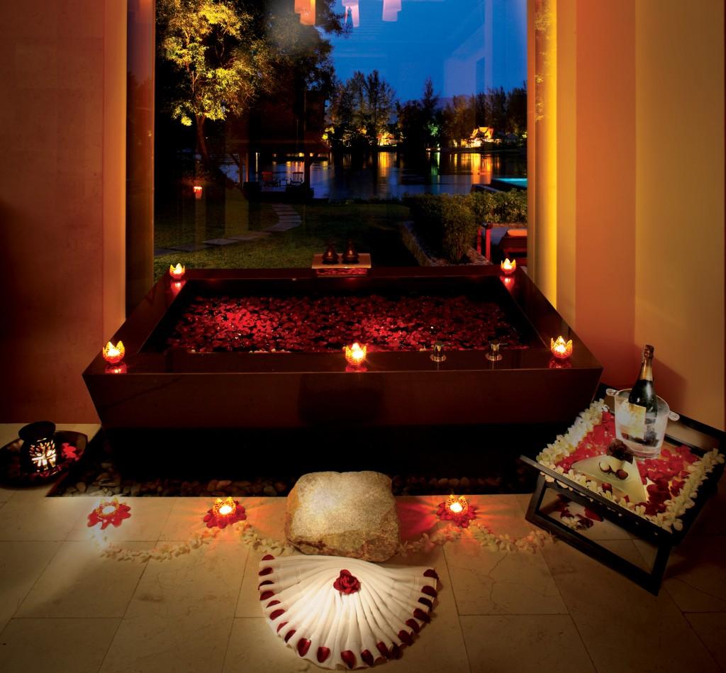 Banyan-Romantic-Bath