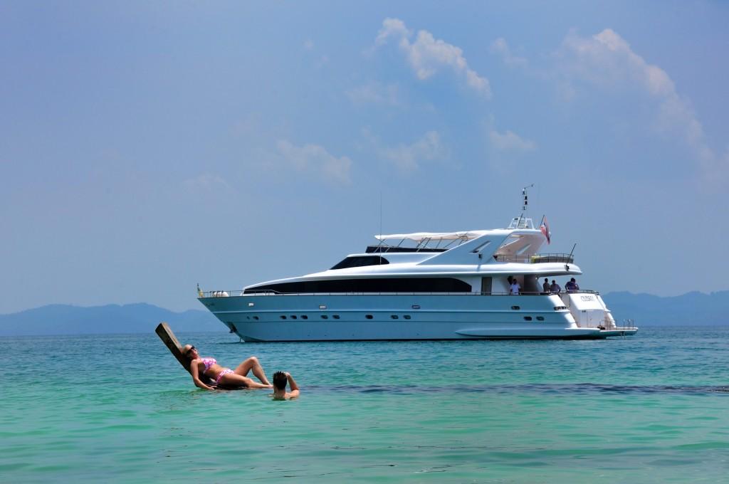 Celebrity-Yacht-12