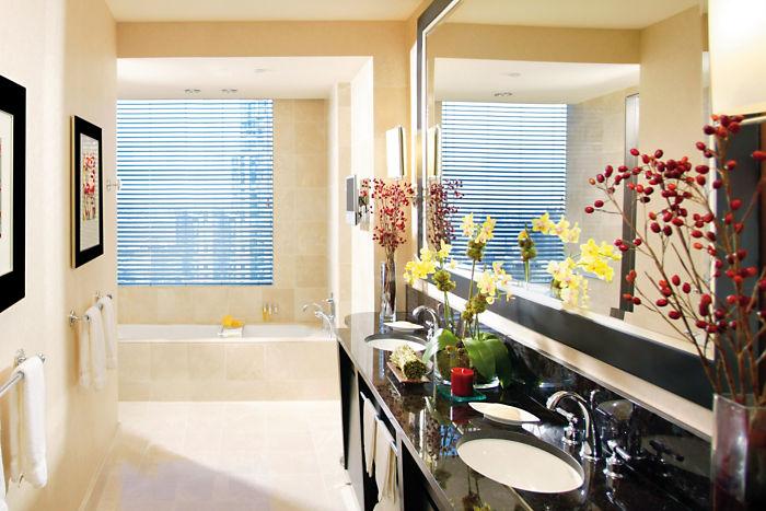 new-york-room-room-premier-hudson-river-view-bathroom