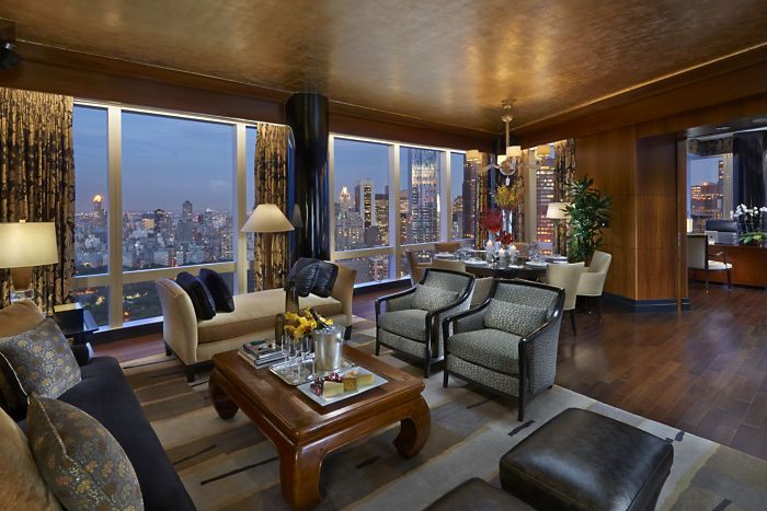 new-york-suite-oriental-living-room-01