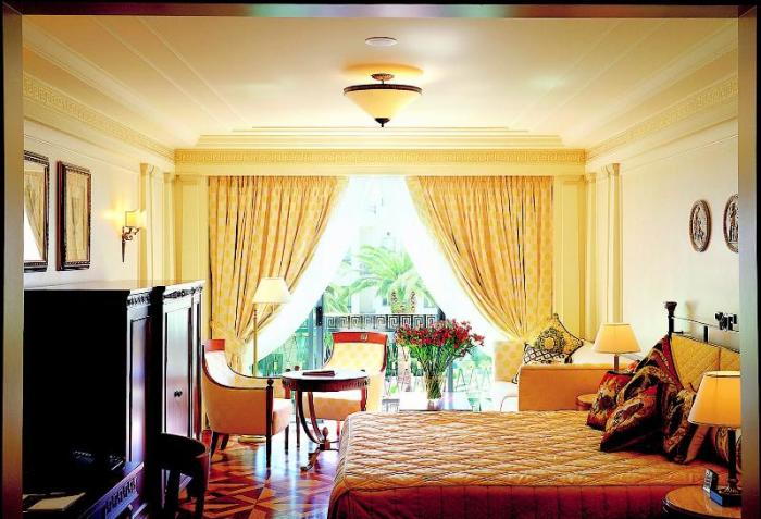 Palazzo-Versace-room