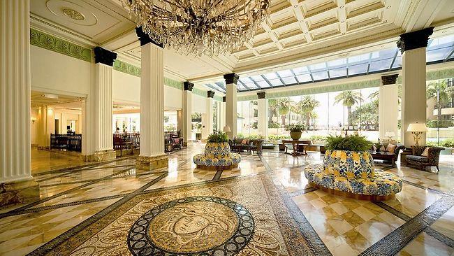 Palazzo-versace-lobby