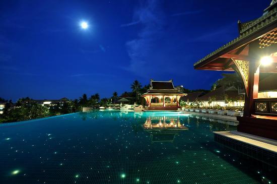 regent-phuket-cape-panwa-night