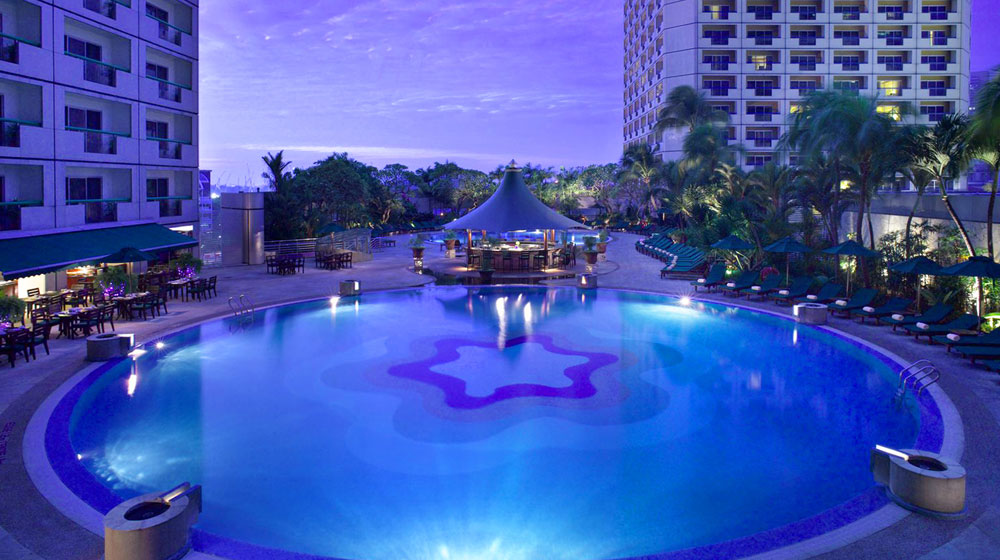Singapore Fairmont Pool