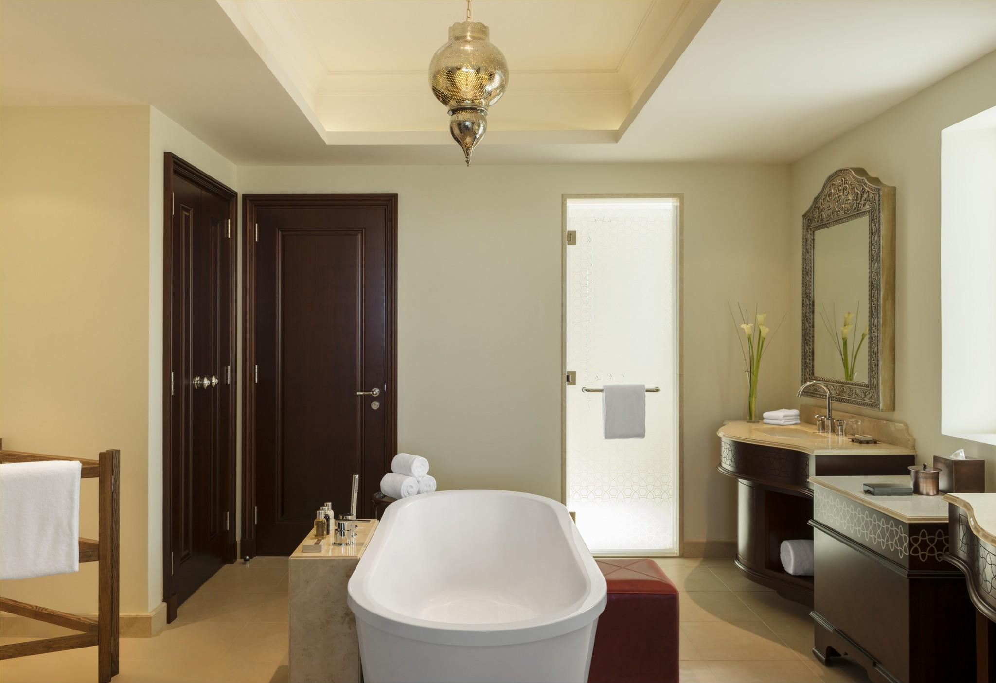 Ajman-Al Dana Suite - Bathroom