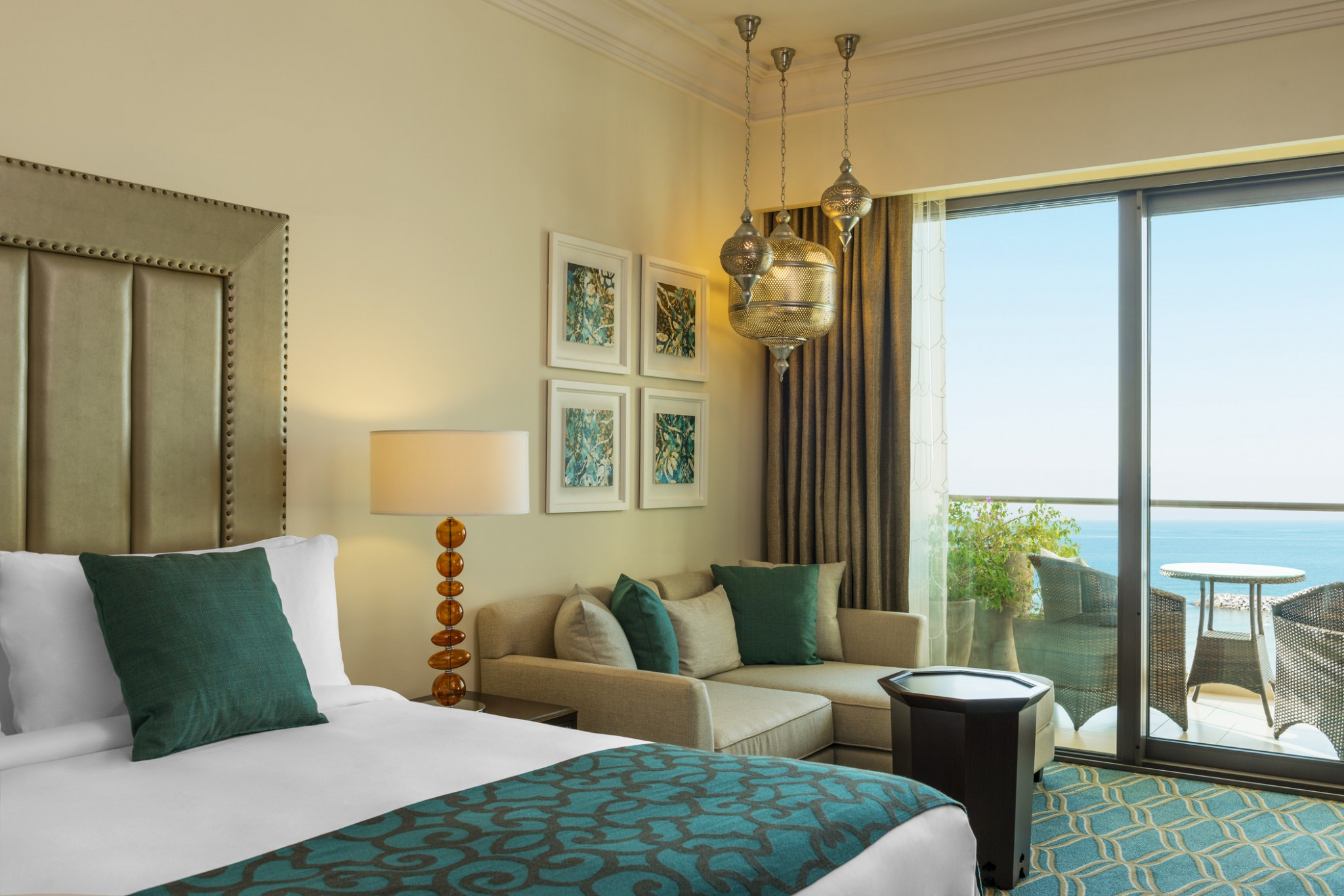 Ajman-Deluxe Room Sea view King Bed